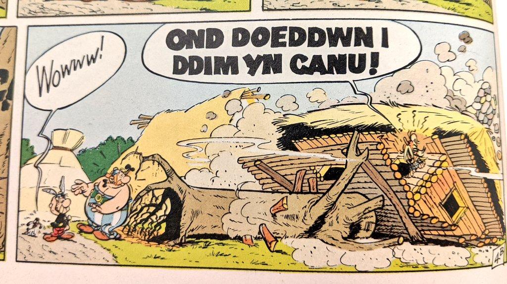Dathlu gwaith Uderzo, cyd-grëwr Asterix, mewn delweddau